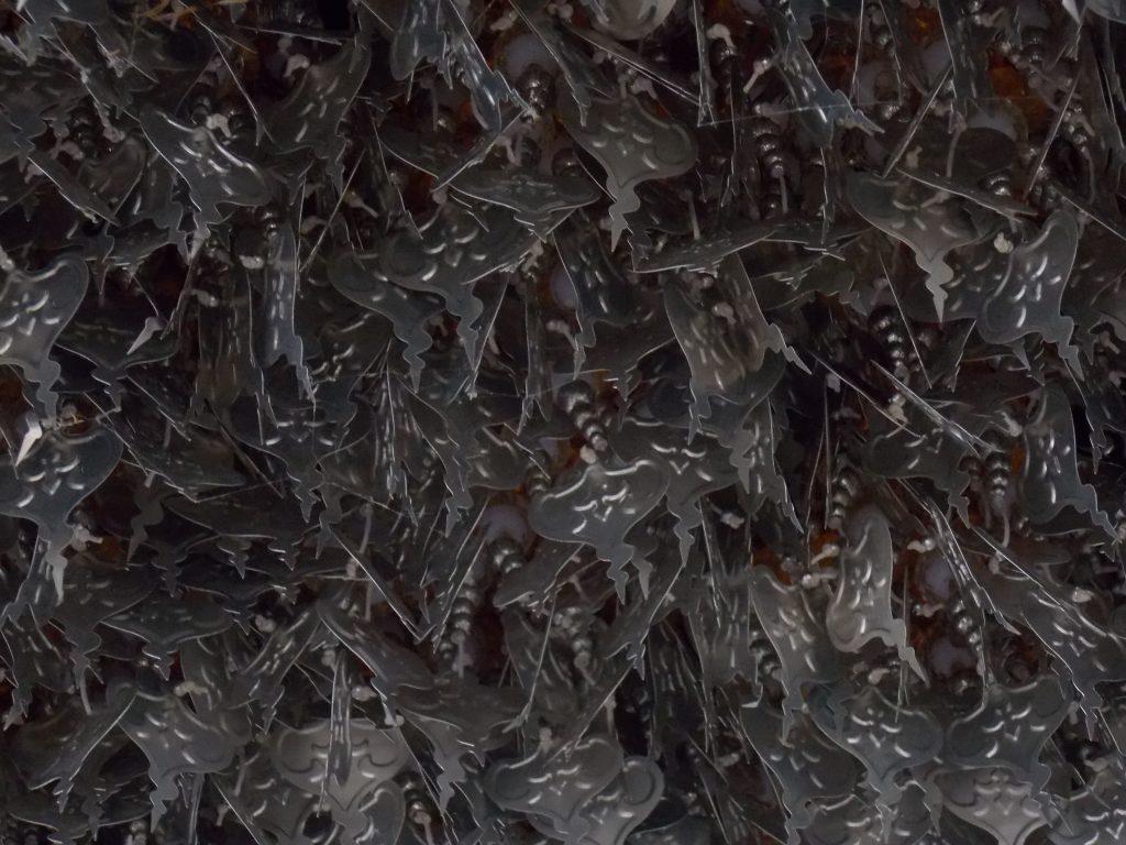 arboles-metalicos-templo-blanco-tailandia