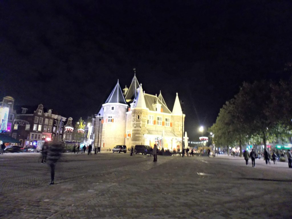 monumento-amsterdam