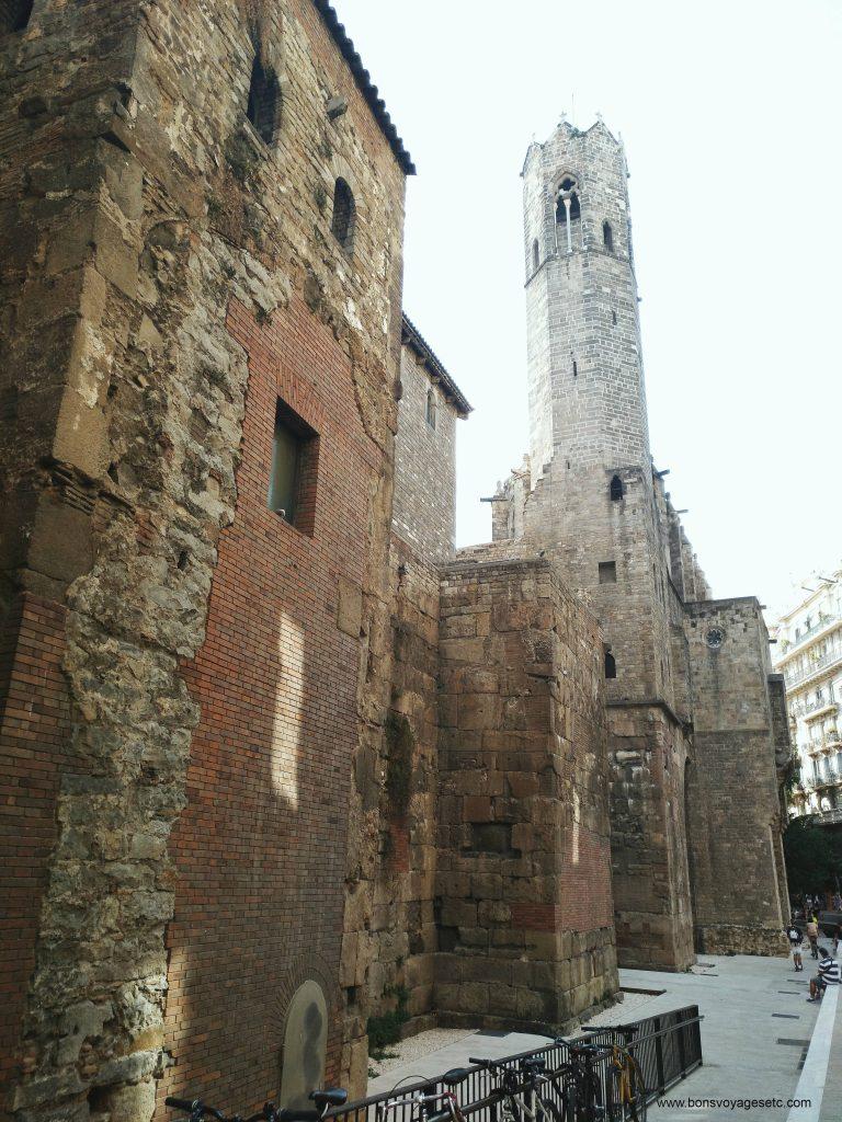 muraille-romaine-barcelone